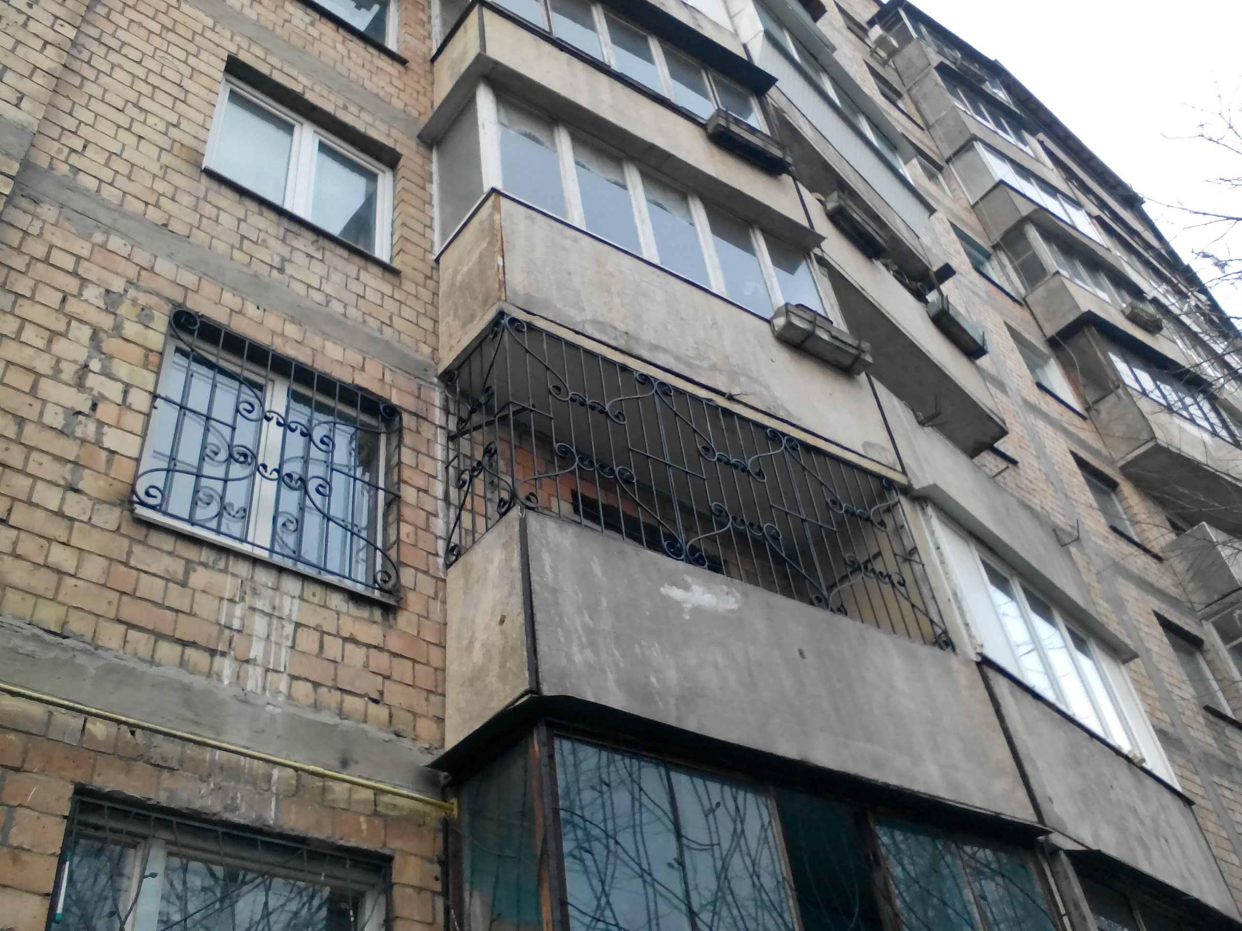 решетки на окна киев, купить решетки на окна киев недорого, киев решетки купить, сварочные работы по решеткам киев, решетки на балкон киев